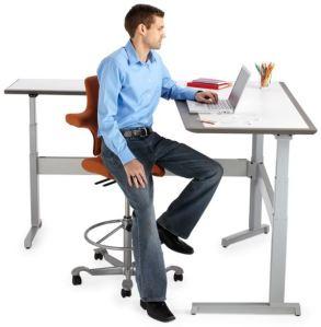 capisco-and-desk