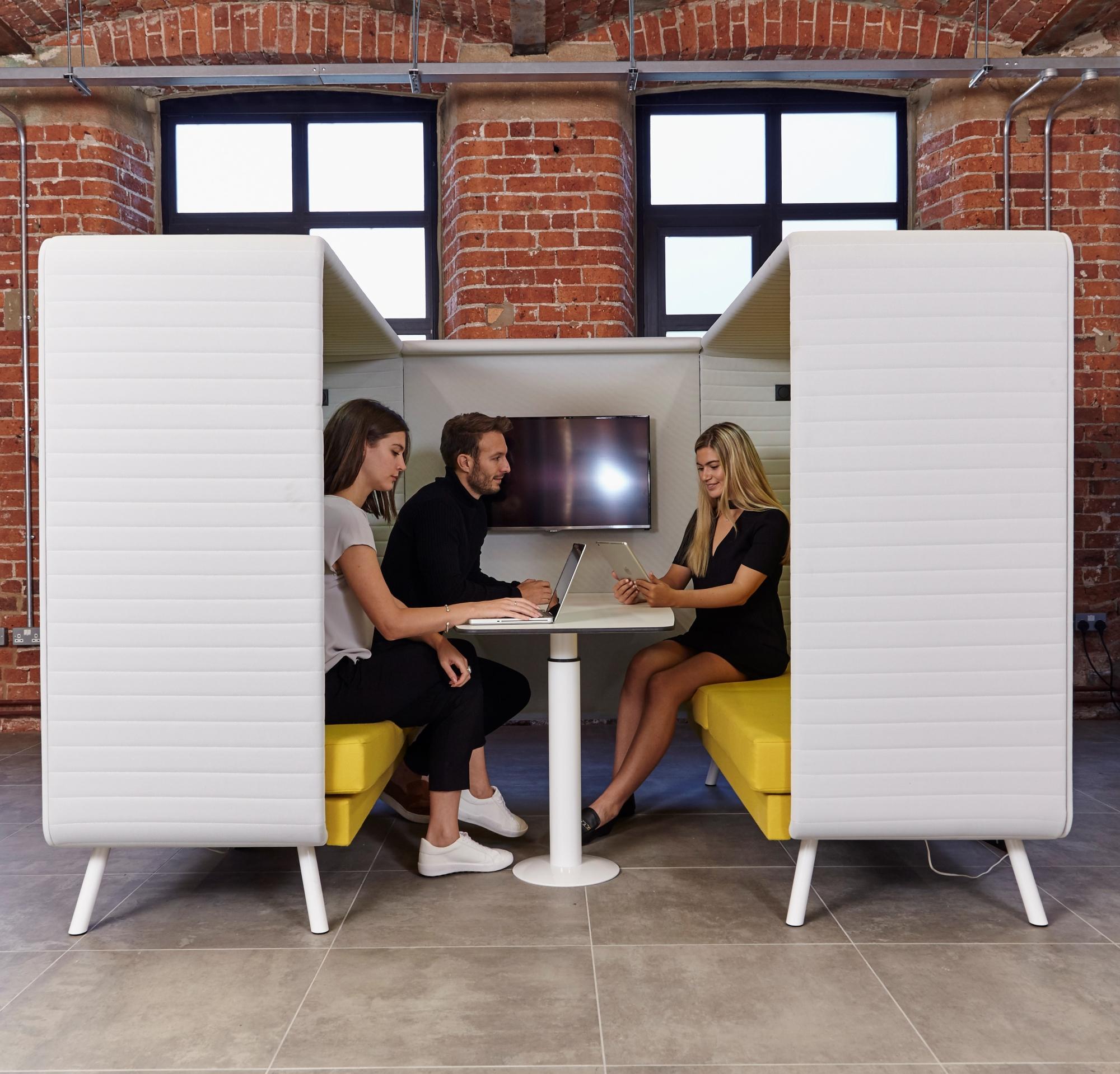 elite-office-furniture-gallery-retreat-01